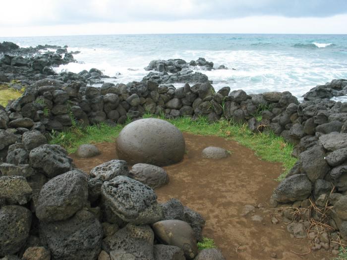 16-тонные каменные шары кто-то гонял 500 тысяч лет назад