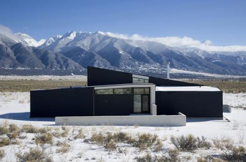 Одинокий японский дом в Колорадо