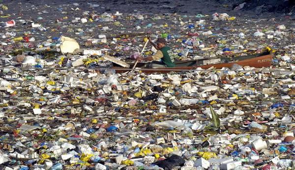 Marea pată de gunoi din Oceanul Pacific