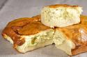 Cumaci - pîine cu umplutură de brînză