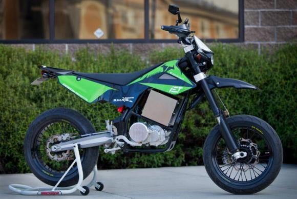 Электромотоцикл с коробкой передач вышел в серию