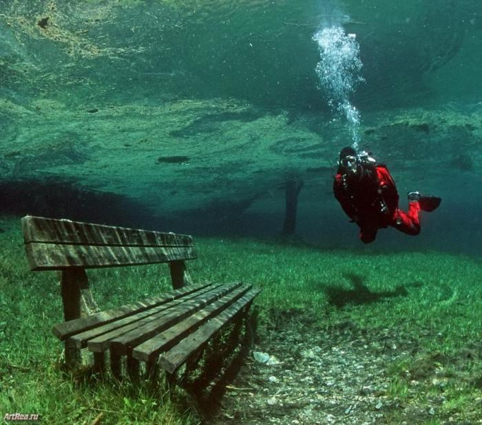 Зеленое озеро в Австрийских Альпах