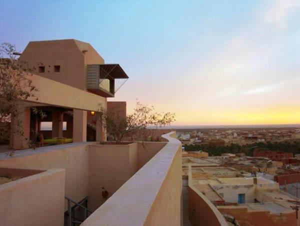 Eco-hotel la marginea deşertului Sahara: un paradis pentru trup si suflet