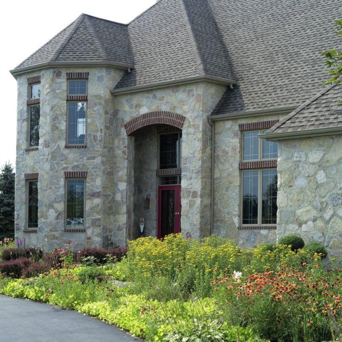 Облицовка фасадов камнем -это современно и красиво