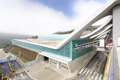 Комплекс по переработке отходов от Batlle & Roig Architects. Вакариссес, Испания