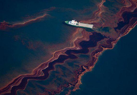 За разлив нефти BP заплатит крупнейший штраф в истории США