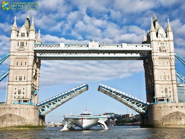 Cel mai mare catamaran pe panouri solare PlanetSolar a acostat în Londra, finalizând studierea Curentului Golfului