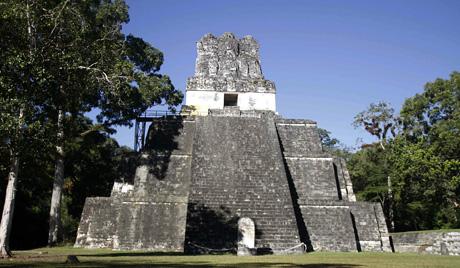 Археологи обнаружили в Гватемале уникальную статую майя