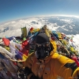 Покорители Эвереста станут мусорщиками