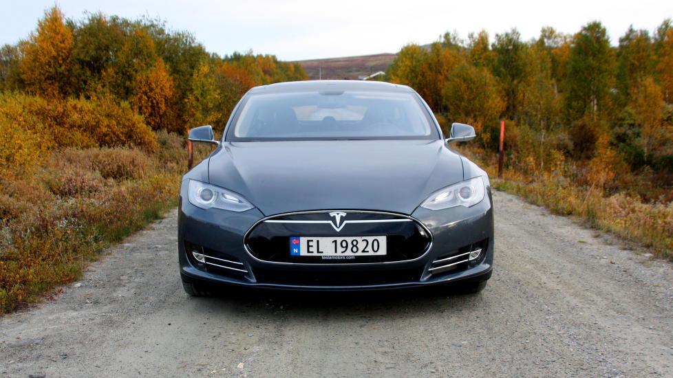 Электромобили Tesla бьют рекорды продаж в Норвегии (+Видео)