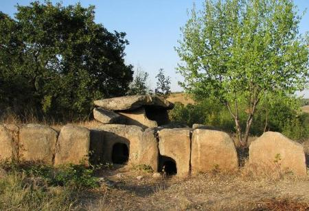 http://www.ecology.md/pics/2015/03/dolmen_hliabovo.png