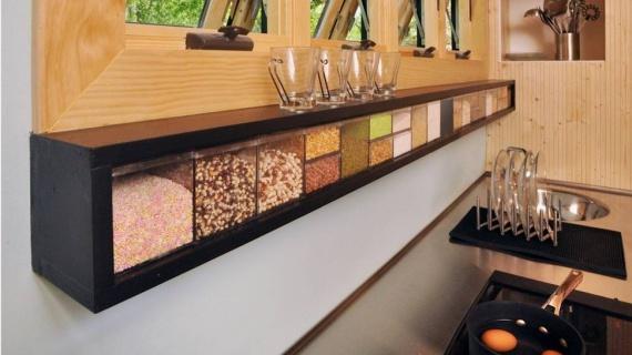 Toy Box - стильный и разноцветный домик на колесах