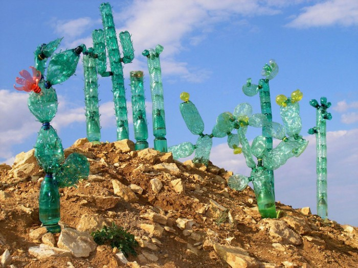 Потрясающие скульптуры из...переработанных пластиковых бутылок