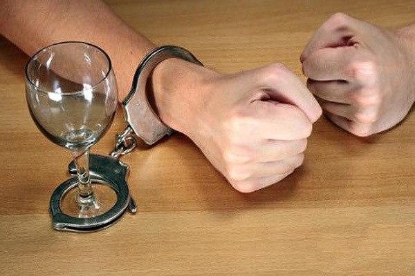 """Передача """"Алкоголизм - жизнь без будущего"""" Последствия и вред алкоголя"""