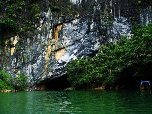 Удивительная пещера во Вьетнаме
