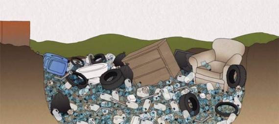 Ce se întâmplă când arunci o sticlă de plastic (Video)