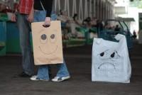 Израиль запретил пластиковые пакеты