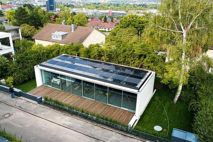Дом в Штутгарте, который вырабатывает в два раза больше энергии, чем потребляет