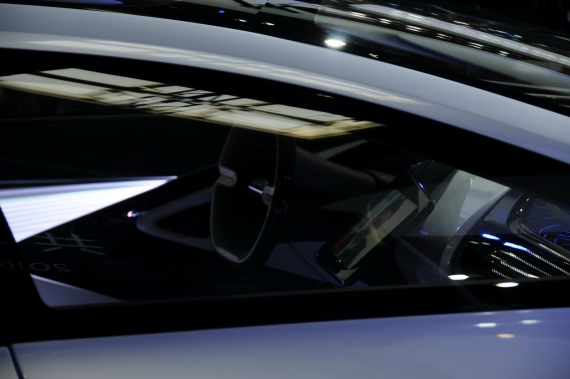 Китайский производитель смартфонов показал концепт конкурента Tesla