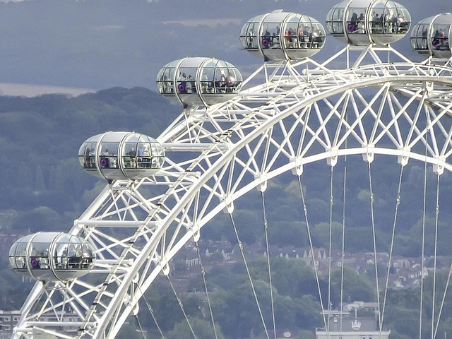 Первое колесо обозрения на солнечных батареях появится в Москве