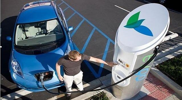 В Сочи установлены первые зарядки для электромобилей