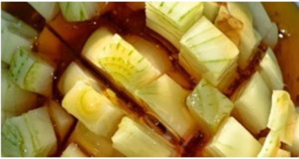 Мед и репчатый лук — самое эффективное средство от кашля, которое действует мгновенно