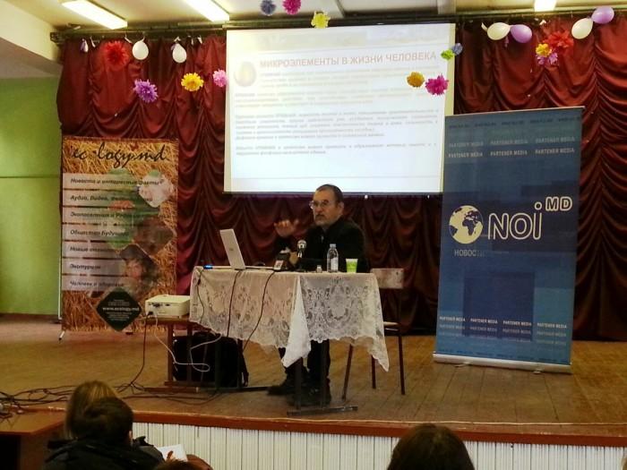 Гусман Минлебаев   активно  презентовал себя и свои достижения  в Кишиневе. Гусман Минлебаев восстанавливает убитые земли