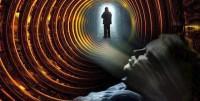 Profesorul Universității din Carolina de Nord a declarat că, potrivit teoriei biocentrismului, moartea este o iluzie, creată de subconștientul nostru. Robert Lanza afirmă că după moarte, omul trece într-o lume paralelă.