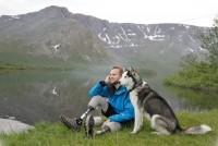 Сейчас он успешный фотограф, профессиональный горнолыжник и счастливый человек!
