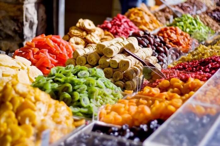 Fructele uscate înlocuiesc vitaminele sintetice