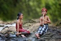 Улыбки радости детей Индонезии (Фото)
