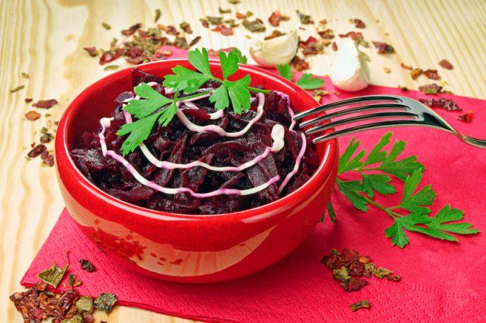Салат из свеклы, который восстанавливает зрение, очищает кишечник и почки!