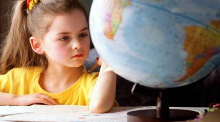 Современная школа отформатирует вашего ребенка в социального раба (Видео)
