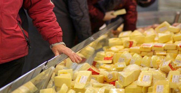 Будьте внимательны! Никогда не покупайте сыр, если увидите ЭТО на упаковке!