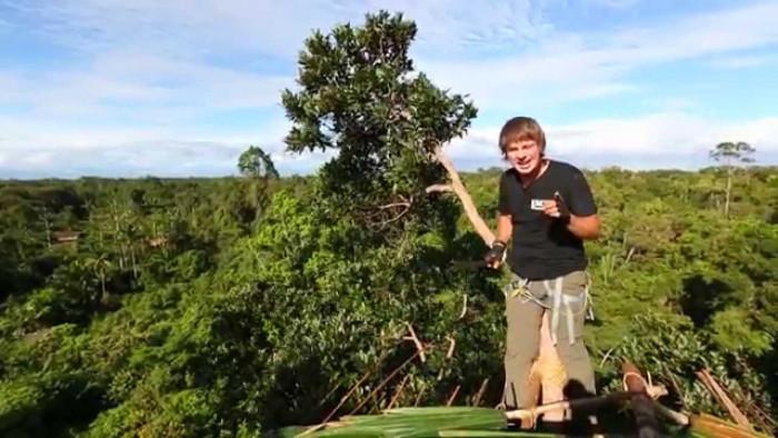 Дом на дереве жителей первобытного племени (Видео)