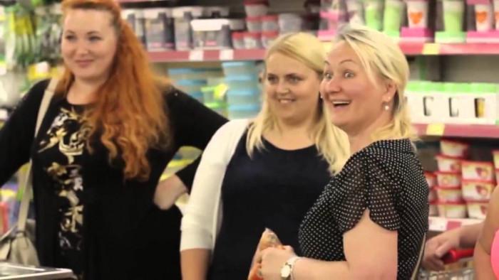 Калинка Малинка в торговом центе (Видео)