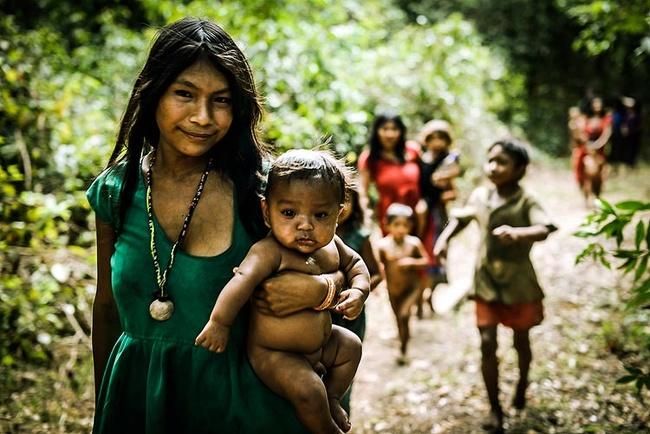 Места на Земле, где живут необычные люди по необычным законам и традициям (+Фото)