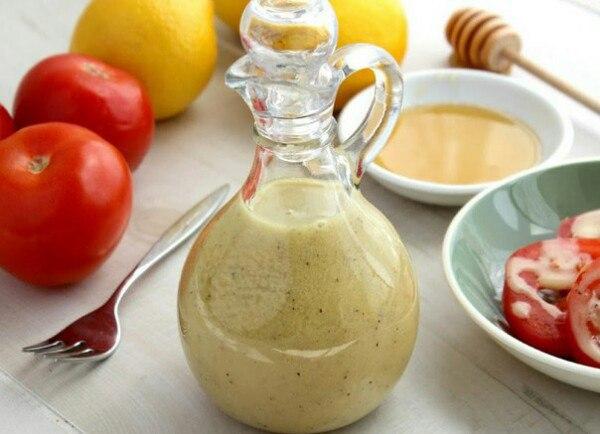 Медово-горчичный соус — лучший вариант для овощных салатов!