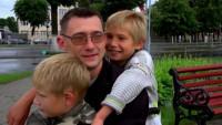 Мужчина без рук и ног отец и бизнесмен (Видео)