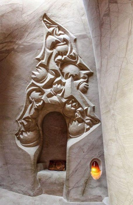 25 лет отшельник вывозил из пещеры каменную пыль. То, что он там делал поражает воображение! (Фото)