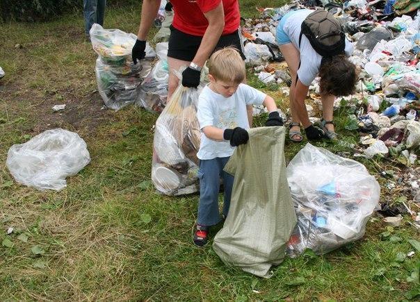 Как отучить ребенка мусорить?