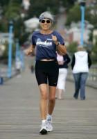 Она победила рак молочной железы 4 стадии с помощью питания и пробежала более 100 марафонов