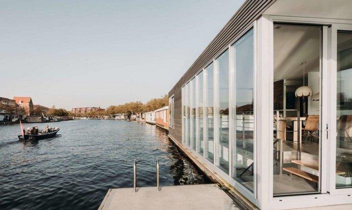 Автономный в энергоснабжении дом на воде (+Фото)