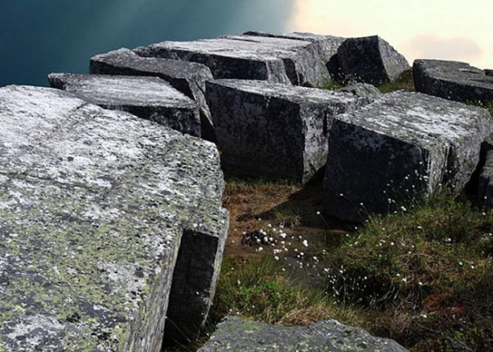 Артефакты истории: следы арктической прародины на Кольском полуострове