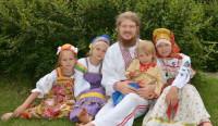 Много детей в русской семье - было всегда традицией, вплоть до войны 1941г.