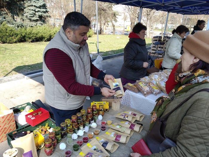 Органические продукты малых и средних производителей были представлены на рынке EcoLocal (+Фото)