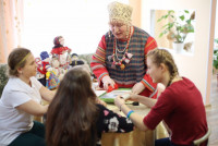 Волонтеры бабушки для деток из детского дома