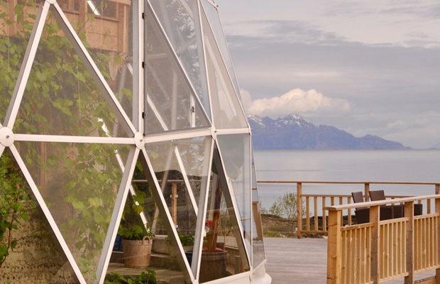 3 года в Арктике живёт норвежская семья благодаря геокуполу (+Фото)
