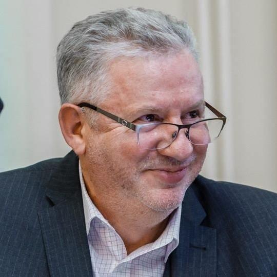 Кто и почему пытался закрыть экспериментальную школу педагога-новатора Михаила Щетинина при его жизни и после его смерти