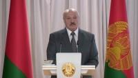 Лукашенко: У кого есть уголок на земле - тот никакой заразой не болеет (Видео)